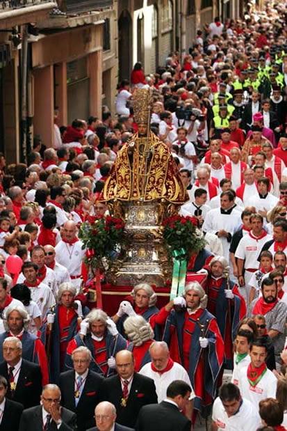 Todos_con_el_santo San Fermín_en_procesion