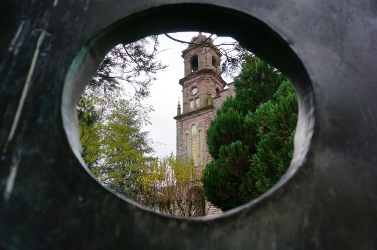 Elizondo-iglesia-baztan-navarra-excursiones